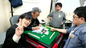 関西・大阪に本部を置く競技麻雀のプロ団体【麻雀共同体WW(ダブル)】の2016年度【プロアマ秋合戦】第1節について。